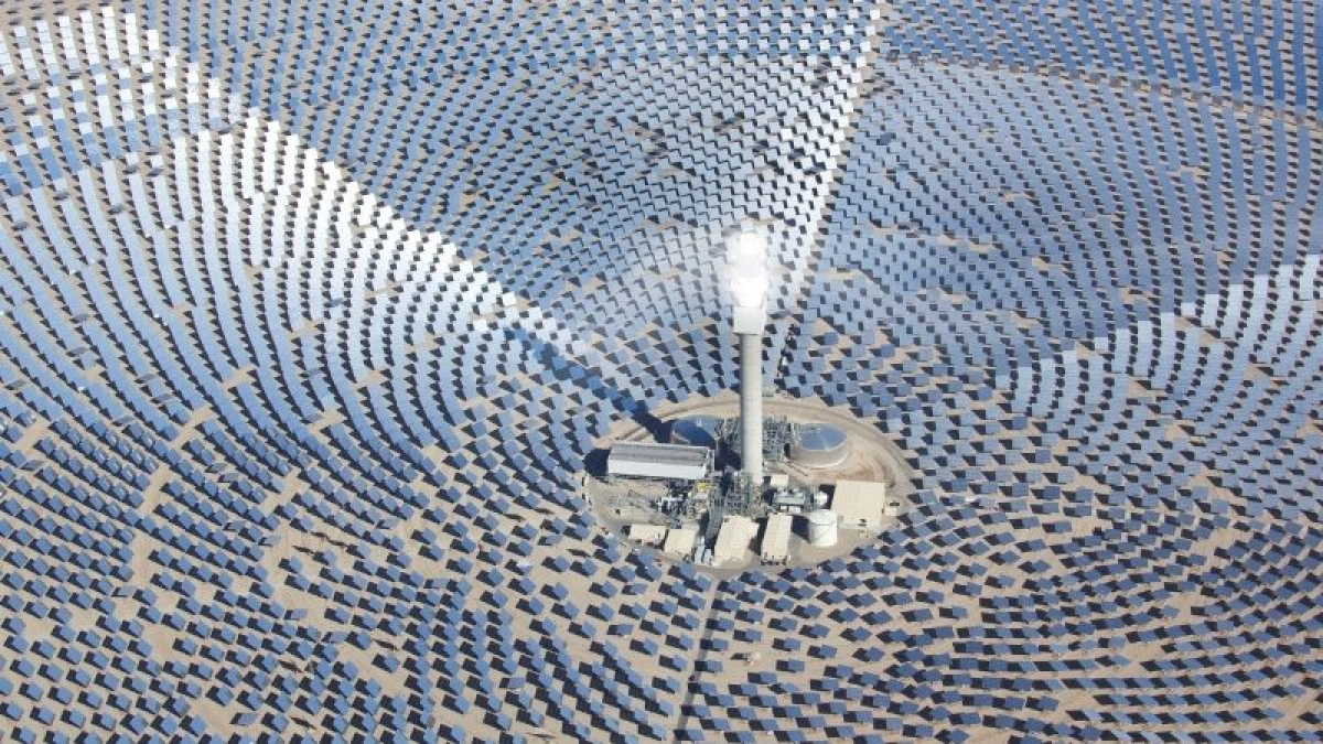 Argonne Labs makes solar thermal energy storage 20 times better to enable concentrated solar power plants to provide power at night