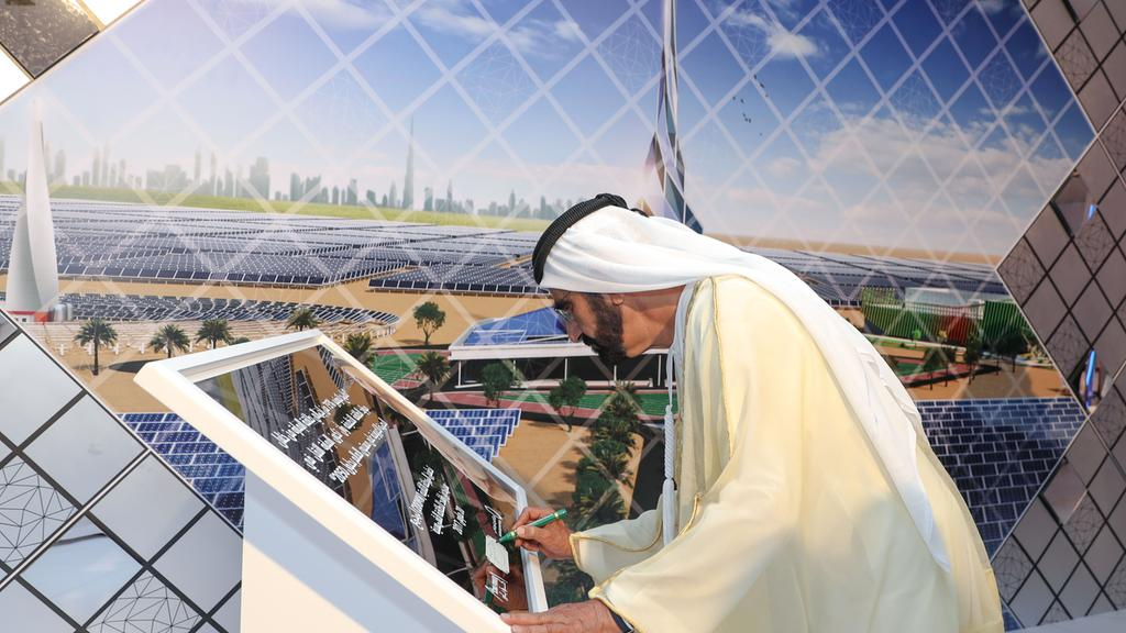 http://helioscsp.com/wp-content/uploads/2017/09/concentrated-solar-power-CSP-plant.-Dubai-Media-Office.jpg